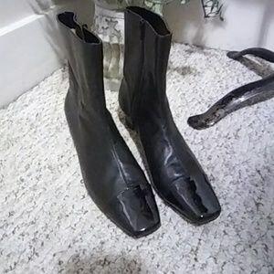 ❤ Vtge. Auditions Black Patent Cap Toe Ankle Boots